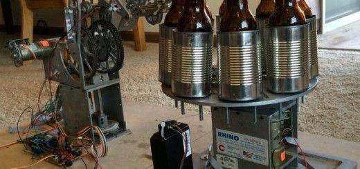 cervezas arduino 520x245 - Este robot te abre las cervezas por ti gracias a Arduino