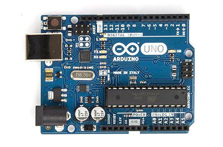 ArduinoUno R3 y usb - Arduino para dummies, una guía básica para principiantes