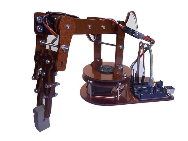 Brazo robot que juega al tres en raya controlado por arduino