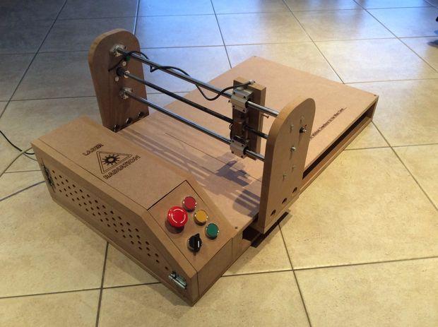 Un cortador l ser dise ado en madera con arduino for Bar casero de madera