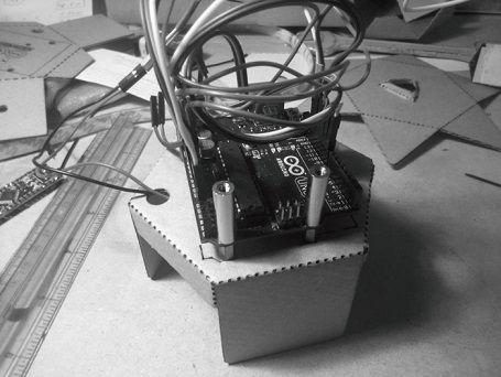 caleiduino1 - Caleiduino, un caleidoscopio digital sonoro e interactivo