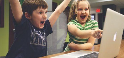 ninos informatica 520x245 - 6 herramientas para enseñar a los niños programación