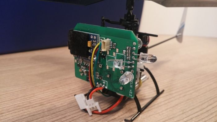 droiko3 - Droiko, un pequeño drone de código abierto para jugar