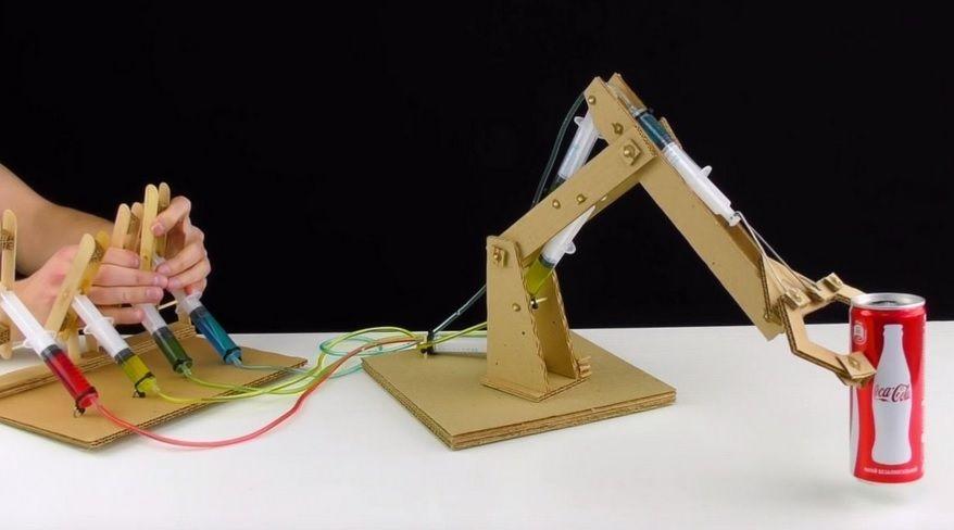 c mo construir un brazo robot totalmente funcional con cart n. Black Bedroom Furniture Sets. Home Design Ideas