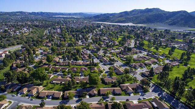 drone casas - 5 maneras de ganar dinero con drones, y no son todas