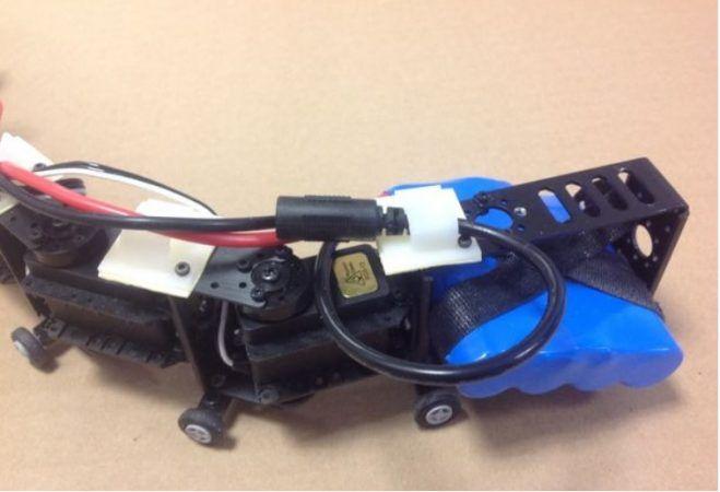 robot serpìente1 659x450 - Construye un robot serpiente muy bailón con Arduino