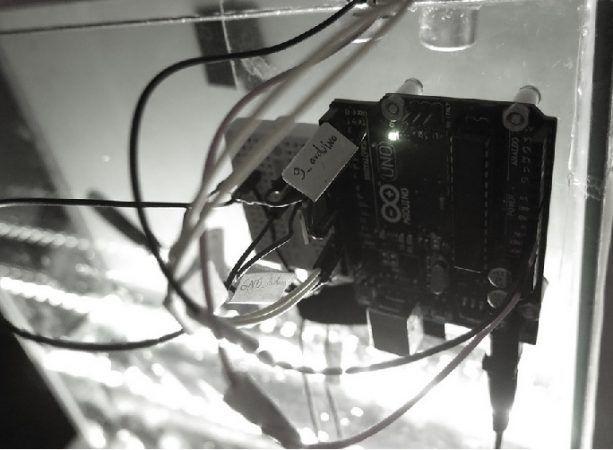 waterlamp arduino 613x450 - Una lámpara de agua, un original proyecto construido con Arduino
