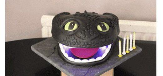 desdentao 520x245 - Desdentao, construye un robot de chocolate del dragón de la peli