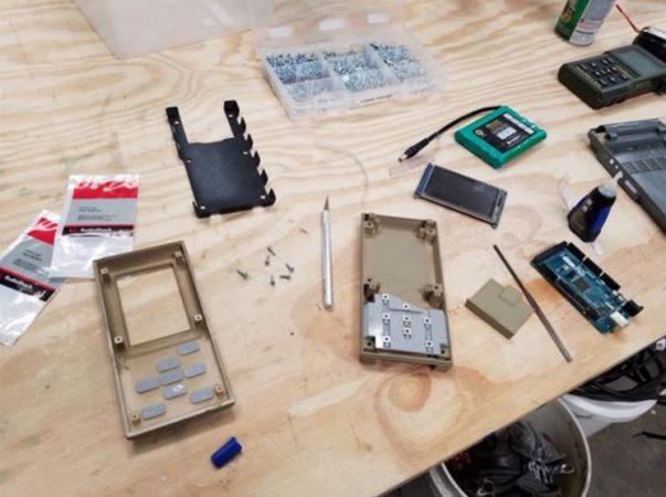 arduino breaking bad 603x450 - El equipo de efectos especiales de 'Better Call Saul' utiliza Arduino y la impresión en 3D para crear objetos increíbles.