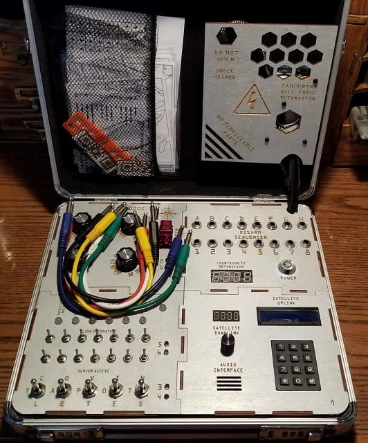 sala de escape con Arduino - Impresionante sala de escape en un maletín