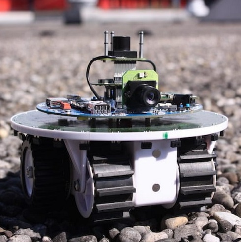 coche robot - ¿Qué es un robot? ¿y la Robótica?