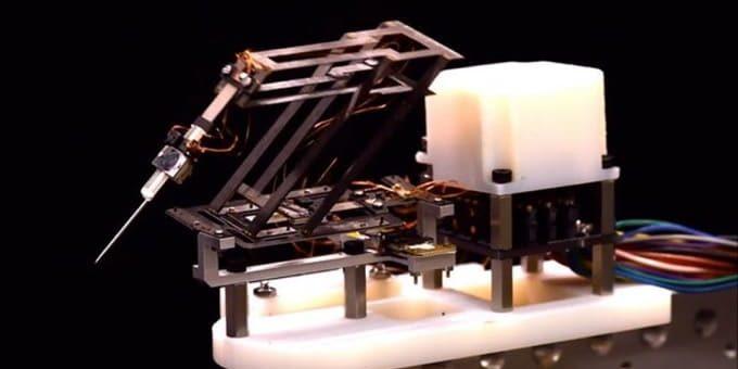mini robot para cirugia
