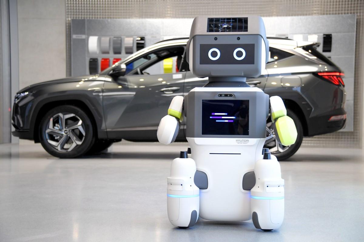 el robot humanoide interactivo dal e de hyundai - El nuevo robot interactivo de Hyundai conocerá y saludará a los clientes