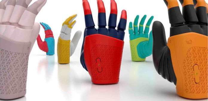 Mia, la mano robótica creada con CAD e impresión 3D