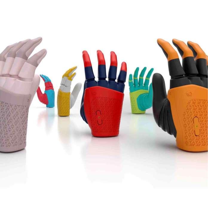 mi - Mia, la mano robótica creada con CAD e impresión 3D