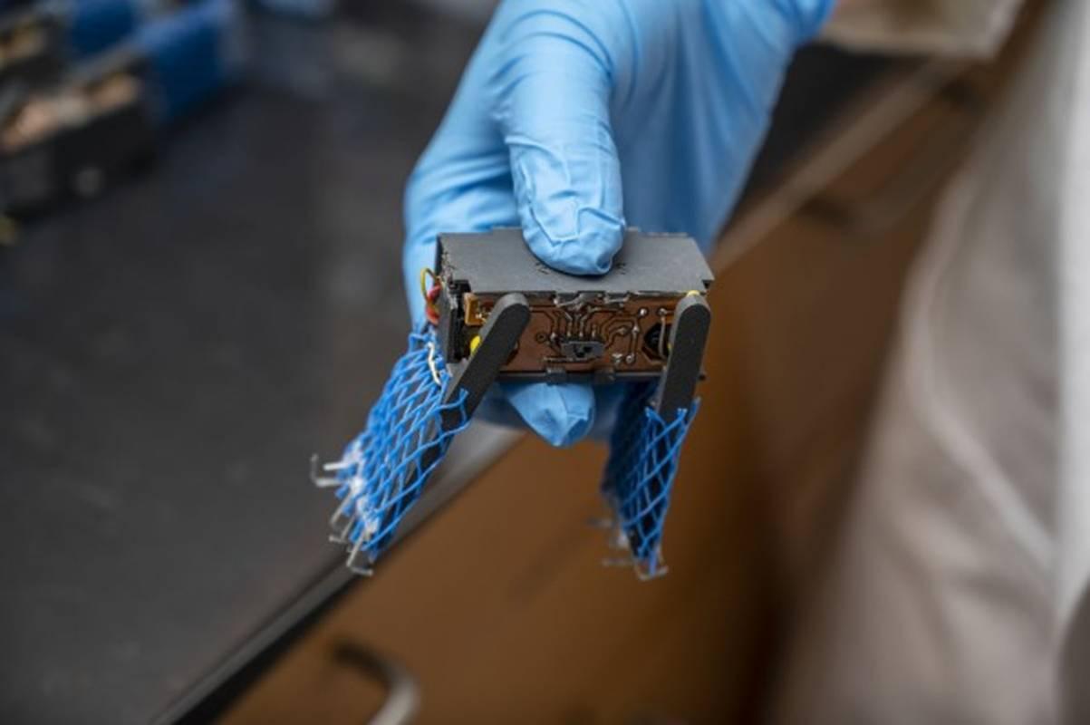 """word image 8 - Científicos crean """"manchas"""" robóticas que se agrupan para protegerse"""