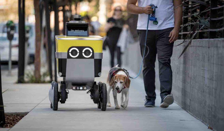 apercu dun robot de serve robotics  - Uber transforma su división de robots autónomos Postmates en una empresa independiente llamada Serve Robotics