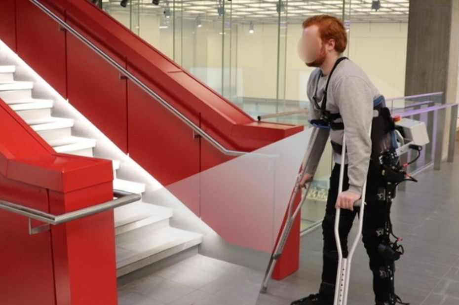 des chercheurs developpent un exosquelette autonom - Investigadores desarrollan un exoesqueleto independiente que adapta su marcha a su entorno