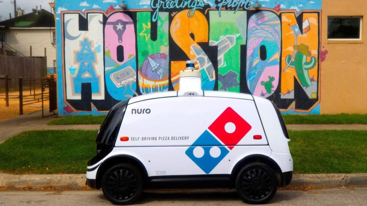 el robot autonomo de entrega de pizzas dominos no - El robot autónomo de Domino's que reparte pizzas no necesita propinas