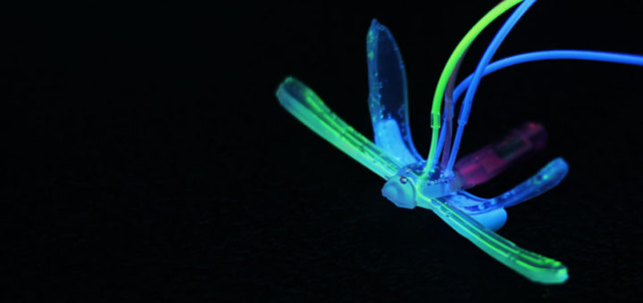 Libélula robótica suave detecta condiciones ambientales en el agua