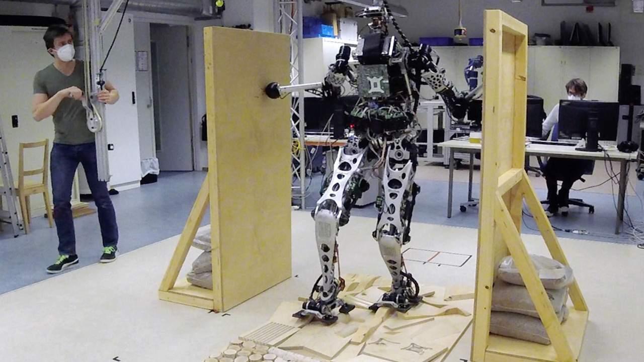 los robots estan aprendiendo a moverse usando loco - Los robots están aprendiendo a moverse usando locomoción multi-contacto