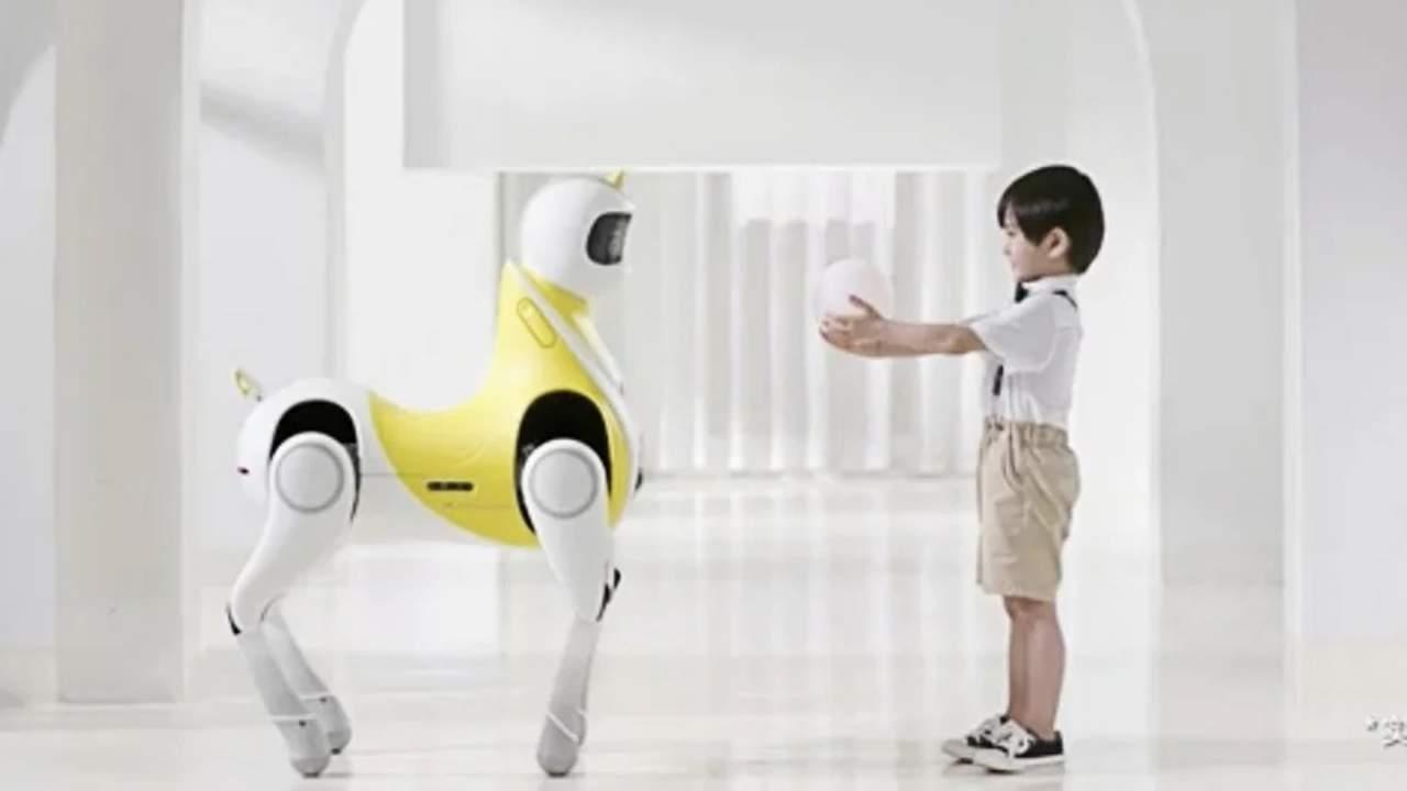 little white dragon is a robotic unicorn for kids - Little White Dragon es un unicornio robótico para niños