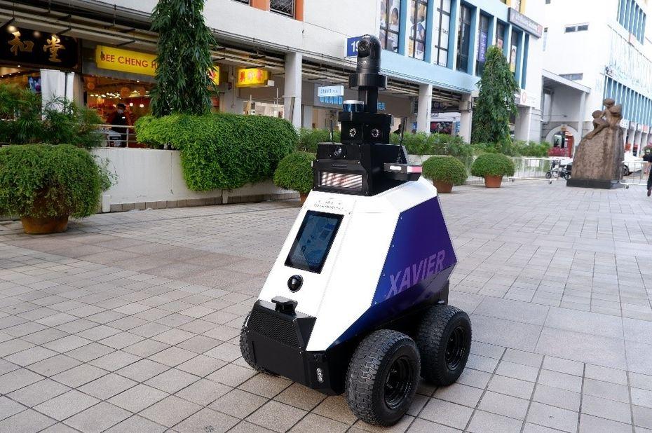 singapour deploie des robots dans les rues pour lu - Singapur despliega robots en las calles para combatir el comportamiento antisocial