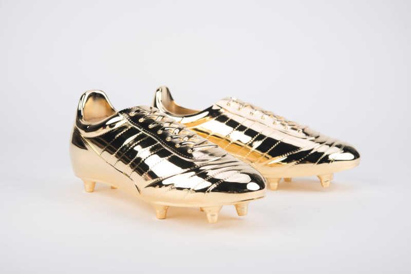 3d printed golden soccer shoes - ¿Cuánto cuesta imprimir en 3D? La pregunta del Millón