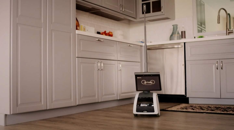cocina con estantes de madera descripcion generad - Amazon Astro es un robot doméstico de 1.000 dólares impulsado por Alexa